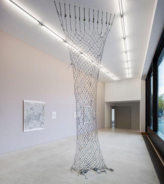 Abbildung von Kate Andrews. Unfeigned Hoax, Veritable Nonsense. Installationsansicht Galerie der Gegenwart, 2020