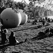 "Abbildung von Berthold Socha. ""Giant Pool Balls"" am Aasee. 2013"