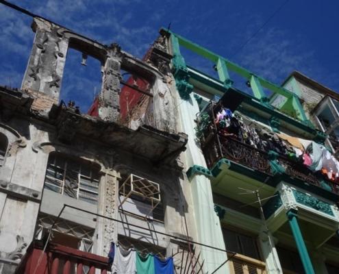 Abbildung von Marcus Herrenberger. In den Straßen von Havanna