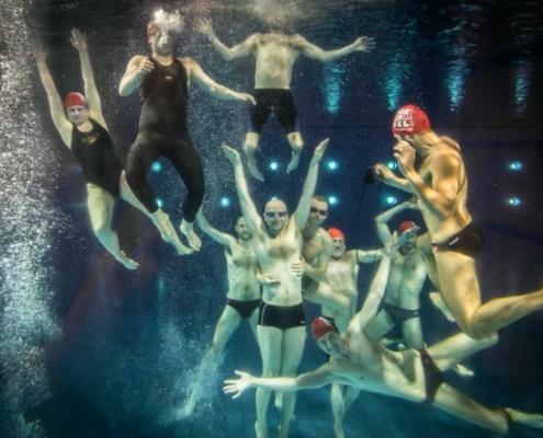 Abbildung von Gerhard Westrich. Schwimmbad-Fotografien
