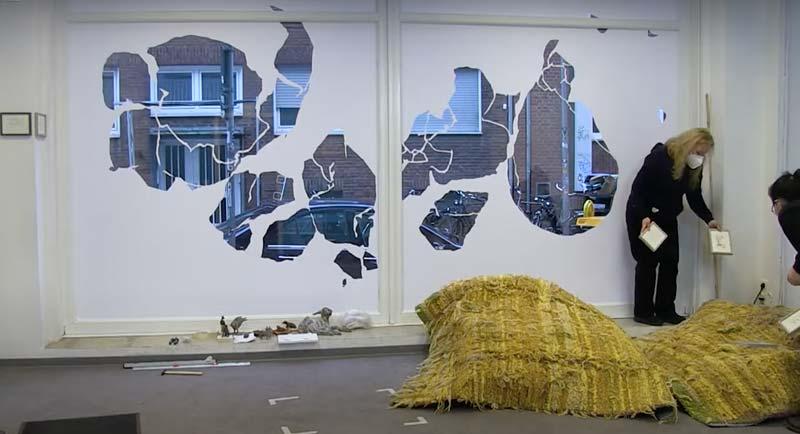 Abbildung von Alexandra Klawitter und Satomi Edo. Auf der Suche - Ausstellungsaufbau II