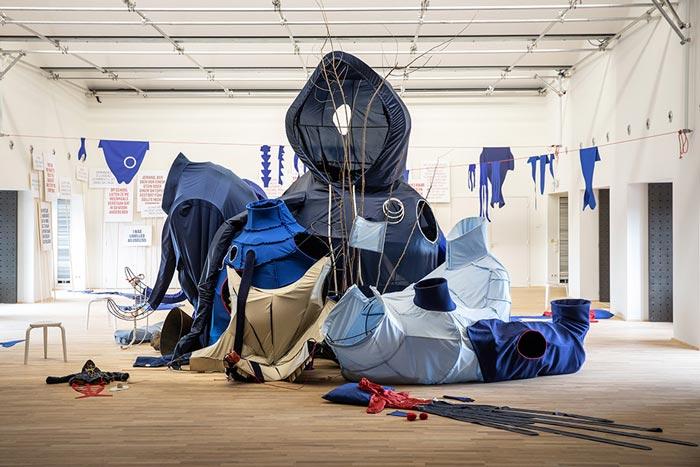 Abbildung von Eva Koťátková. The Machine for Restoring Empathy.2021